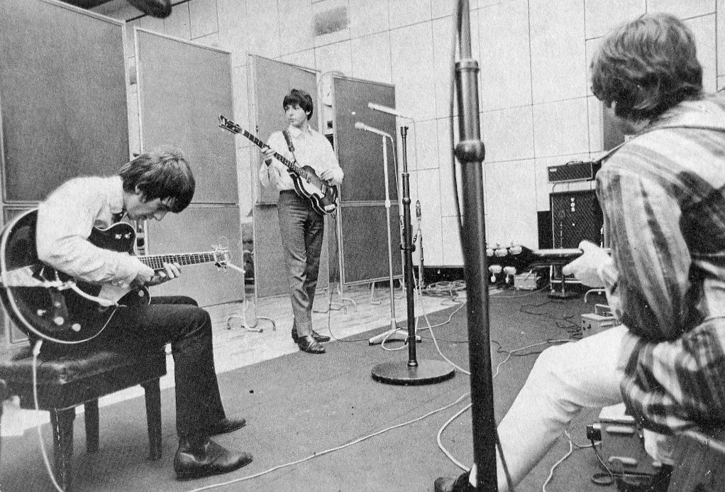 George Harrison, Paul McCartney and John Lennon in Abbey Road