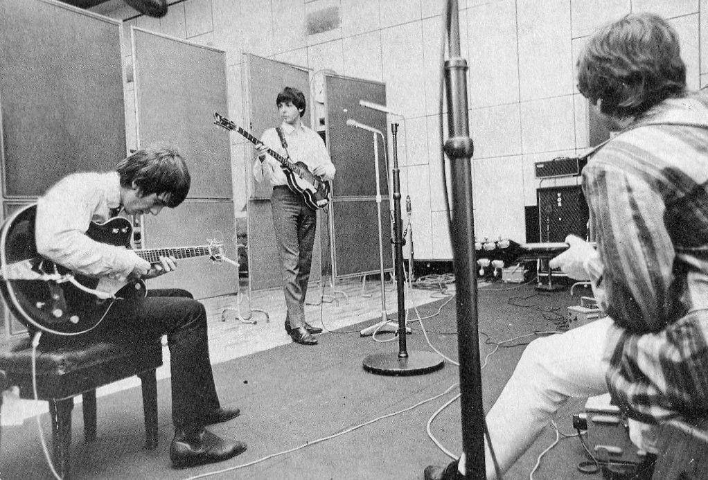 George Harrison, Paul McCartney and John Lennon in Abbey Road